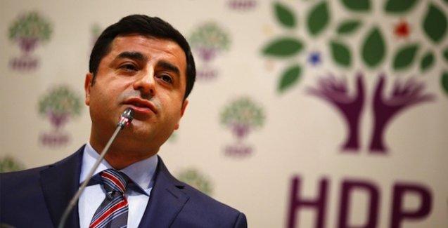 Demirtaş'tan AKP'ye öneri: Kralınıza tansiyon hapı ayarlayın, 7 Haziran'da tansiyonunu yükselteceğiz