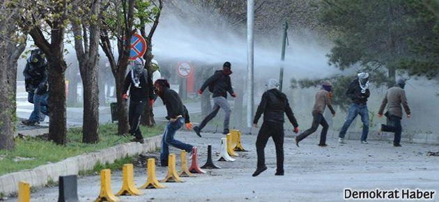 Dicle'deki saldırıları protesto eden ODTÜ'lülere polis müdahalesi