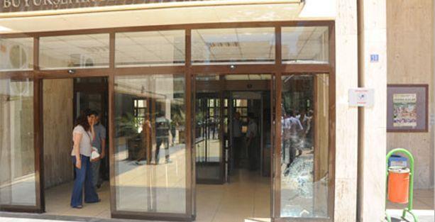 Diyarbakır Büyükşehir Belediyesi'ne saldırı