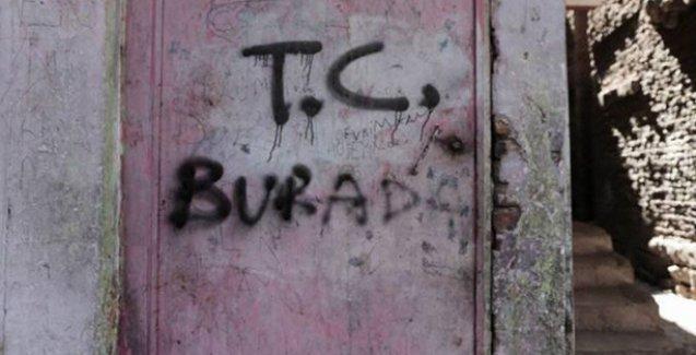 Diyarbakır'da evlere baskın yapan polisler kapılara 'T.C. burada' yazdı