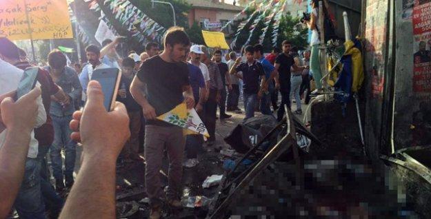 Diyarbakır'daki HDP mitingine bombalı saldırı dünya basınında