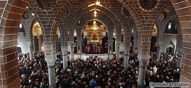 Diyarbakır Surp Giragos Ermeni Kilisesi'nde Paskalya kutlandı