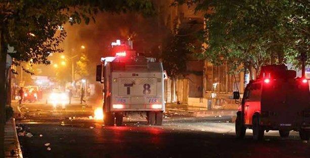 Diyarbakır'da gösteriye polis saldırısı: 1 çocuk öldü