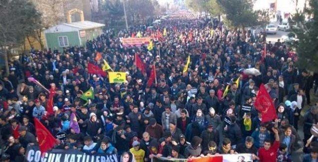 Diyarbakır'da on binler Cizre'deki katliamlara 'dur' dedi
