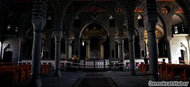 Diyarbakır'daki Ermeni Kilisesi din adamı bekliyor