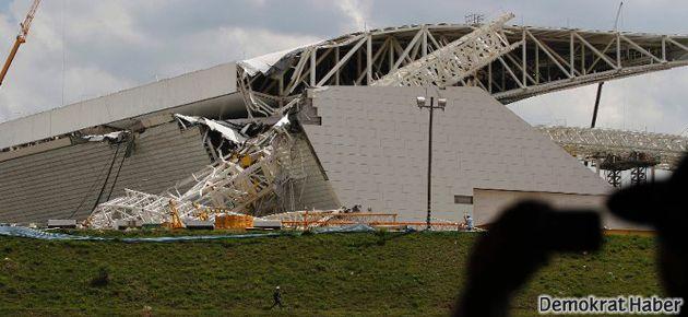 Dünya Kupası için yapılan stad çöktü: 3 ölü