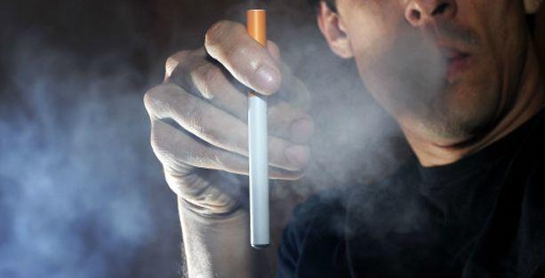 Elektronik sigara infilak etti: 1 kişi öldü
