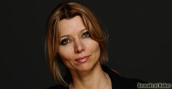 Elif Şafak: Bir Türk yazar politikadan uzak duramaz