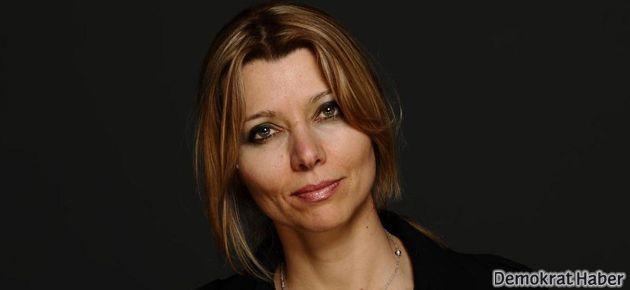 Elif Şafak The Guardian'a 'son gelişmeleri' yazdı