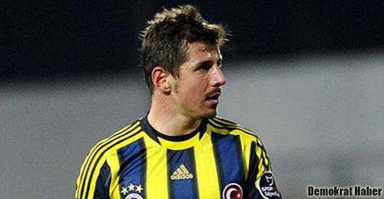 Emre Belözoğlu yine Fener'e transfer oldu
