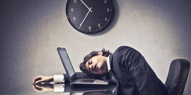 En az kaç saat uykuya ihtiyacınız var?