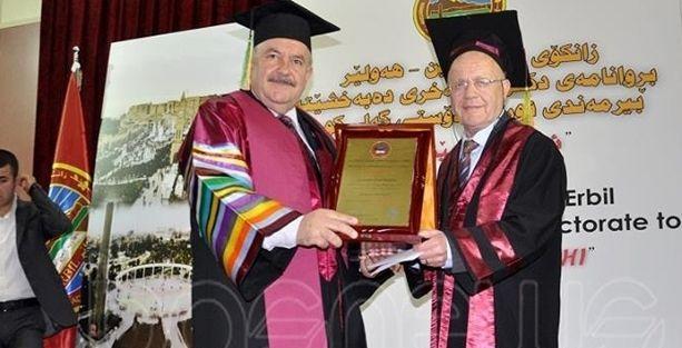 Erbil'de İsmail Beşikçi'ye fahri doktora ünvanı