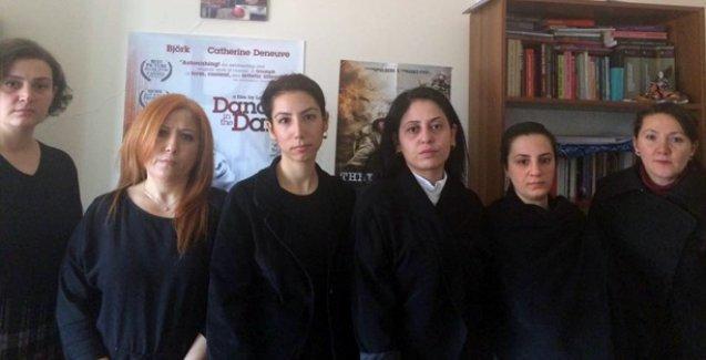 Erciyes'in siyah giyen kadınları