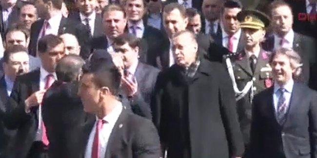 Erdoğan'a 'Hoşgeldin Allah'ın elçisi' tezahüratı