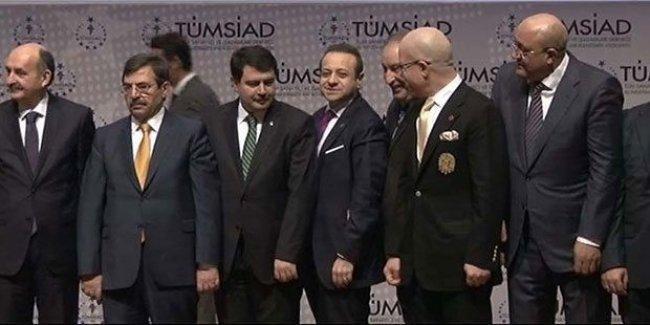 Erdoğan, fotoğraf çekimine müdahale etti, Egemen Bağış'ı da kareye soktu