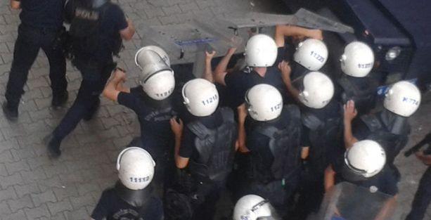Erdoğan geldi, polis Demirtaş'ın seçim çadırına saldırdı