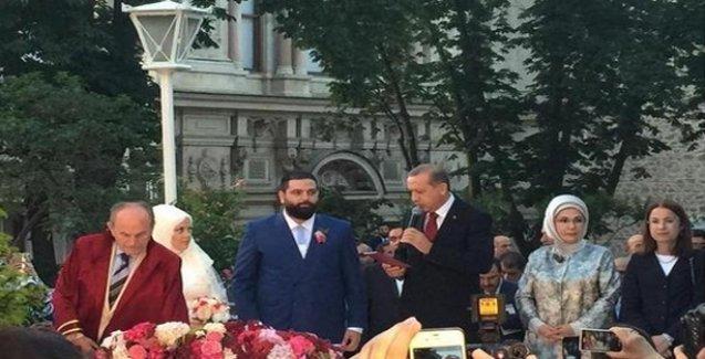 Erdoğan, ırkçı Ak trole şahit oldu