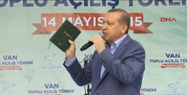 Seçim meydanına yine Kuran'la çıkan Erdoğan: Ah benim Kürt kardeşlerim, siz bizi anlamakta zorlanıyorsunuz