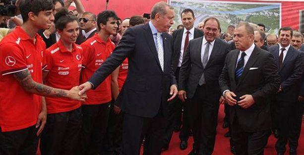 Erdoğan'dan genç futbolcuya dövme tepkisi