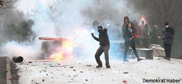 Erdoğan'ı protesto eden öğrencilere hapis istendi