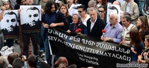 Ermeni gençler: Askere gitmeyin Sevag olursunuz!