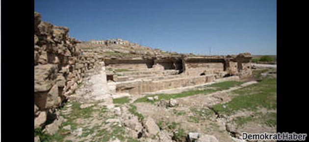 Ermeni höyüğü imara açıldı, höyükte talan devam ediyor