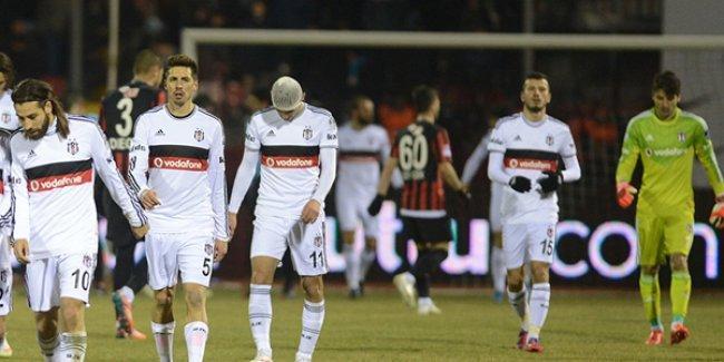 Eskişehirspor'a yenilen Beşiktaş zirveden indi