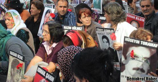 'Evlatlarımızı yaşatmayan bir vatan istemiyoruz'