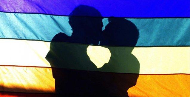 ABD'de eşcinsel evlilikleri onaylamayan memur tutuklandı