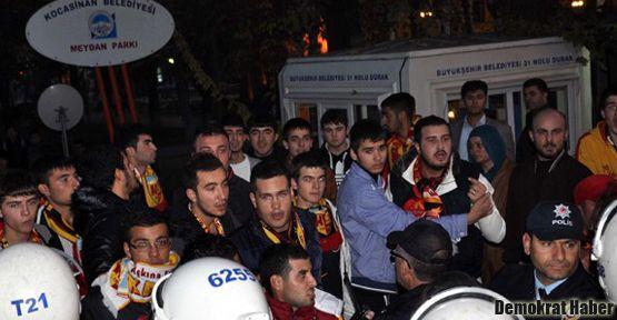 Fenerbahçeli oyuncuları taşıyan otobüse saldırı!
