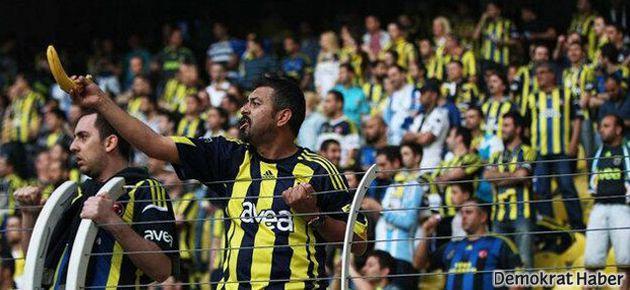 Fenerbahçeli taraftarlardan Eboue'ye ırkçılık