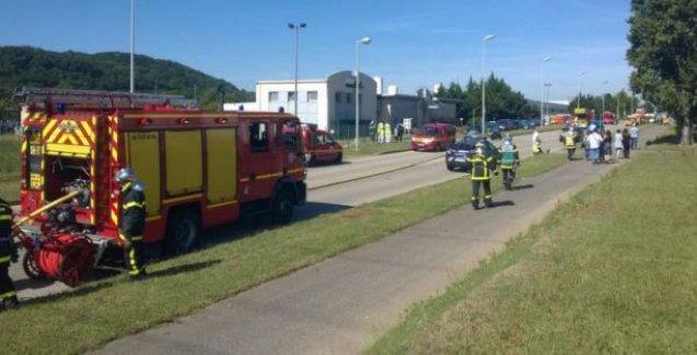 Fransa'da yeni saldırı: Bir kişinin kafası kesildi!