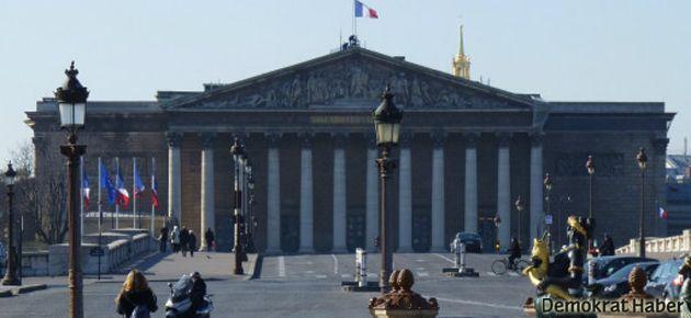Fransa meclisi, Suriye'ye müdahaleyi tartışacak