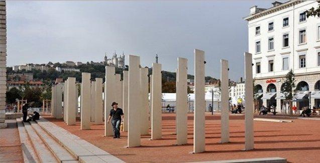 Fransa'daki Ermeni Soykırımı anıtına ırkçı saldırı