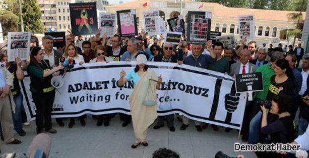 Gazeteciler 'özgür basın' için yürüdü