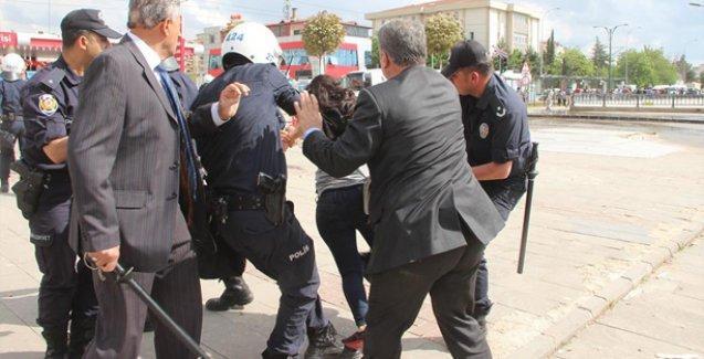 Gaziantep Üniversitesi'nde HDP standına polis saldırısı