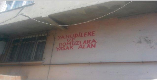 Gaziosmanpaşa'da ırkçı yazılamalar: 'Yahudilere ve domuzlara yasak alan'