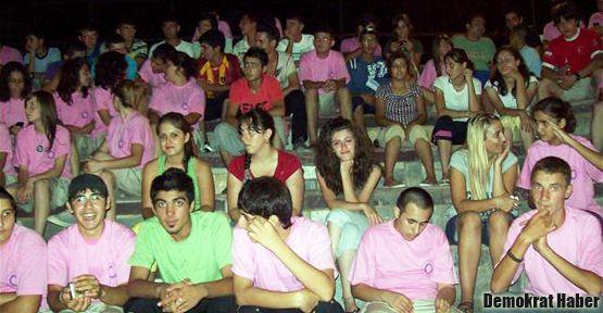 Gençlik kamplarında kız erkek ayrımı