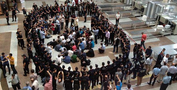 Gözaltına alınan 49 polisten 11'i tutuklandı