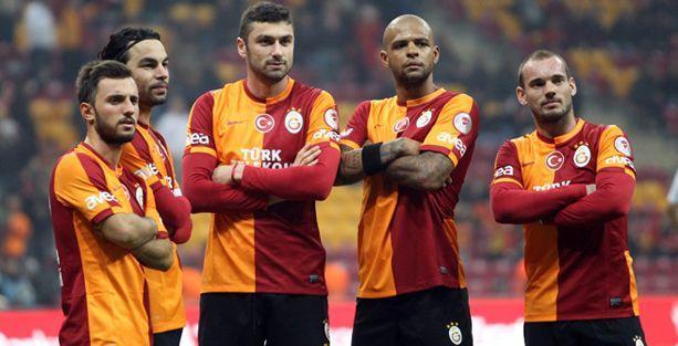 G.Saraylı futbolculardan Soma için 5 milyon lira