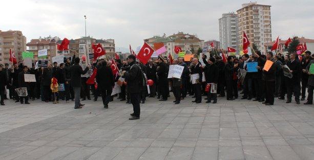 Gülen Grubu'ndan harem-selamlık protesto