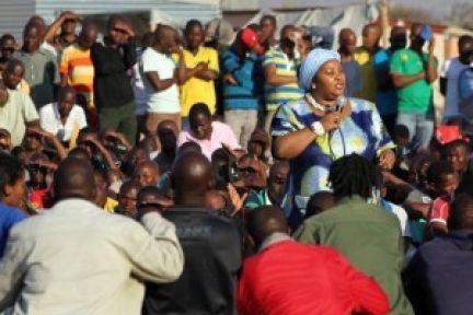 Güney Afrika Hükümeti madencilerden özür diledi