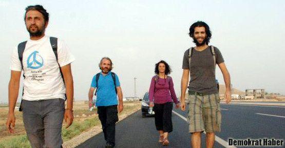 Halil Savda'nın barış yürüyüşü Urfa Yolunda