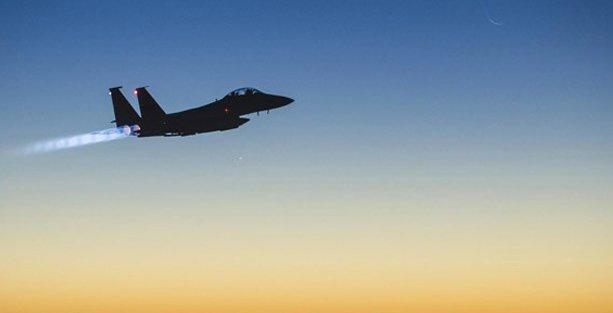 Halkın ayaklanması ses verdi Koalisyon uçakları Kobani'nin doğusunu bombaladı