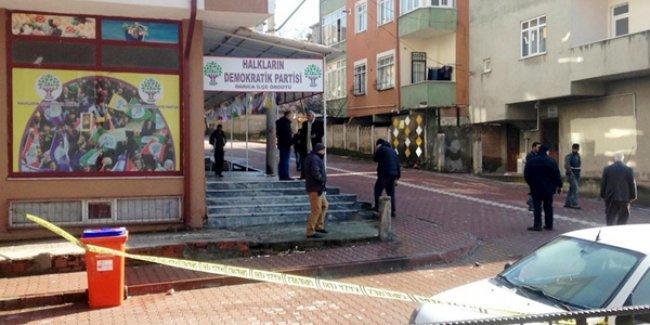 HDP binalarına silahlı ve taşlı saldırı