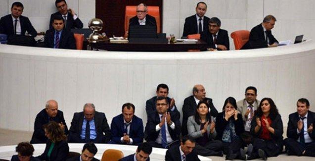 HDP'den mecliste oturma eylemi: Berkin, Ali İsmail, Nihat için buradayız
