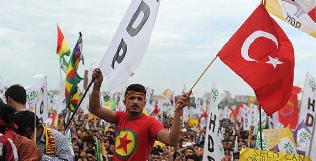 'HDP'nin mitinginde Türk bayrağı görünüyorsa eğer, başka türlü bir değişim başlamış demektir'