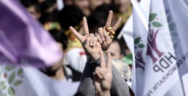 'HDP'ye barajı geçirmeyin' toplantısından AKP'ye yanıt: Yeğenlerimizi bile ikna edemiyoruz