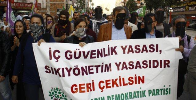 HDP'lilerden 'maskeli yürüyüş'