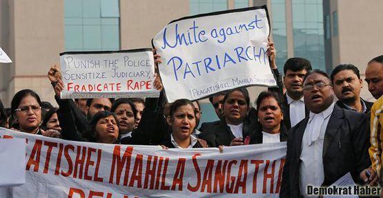 Hindistan'da tecavüz davalarına kadın hakim önerisi